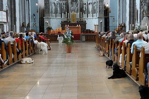 Viecherlmesse mit Tiersegnung in der St. Maximilians Kirche. Foto: © Nicole Kessler
