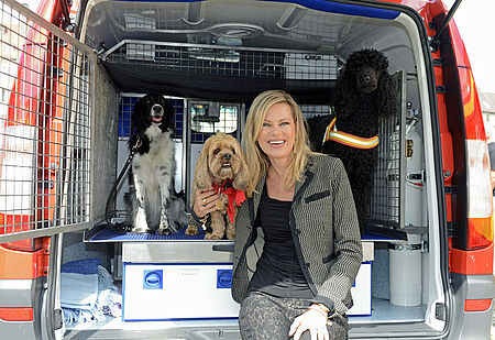Nina Ruge mit Hund Finett